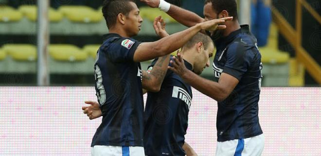 Guarin Rolando Palacio esultanza Parma-Inter