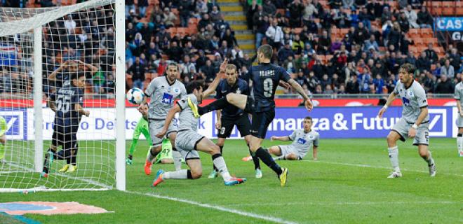 Icardi palo Inter-Atalanta