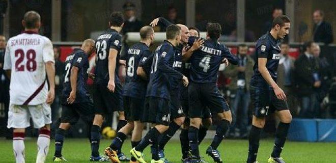 Inter-Livorno esultanza Zanetti Nagatomo