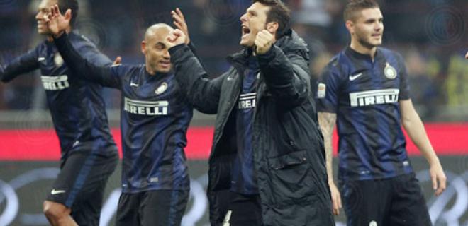 Javier Zanetti esultanza derby