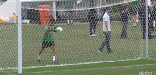 Neymar gol dietro la porta Ronaldinho