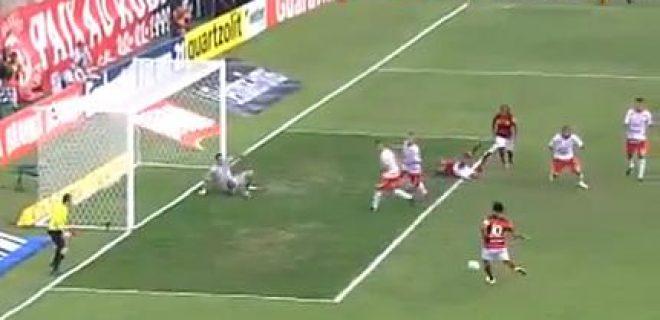 Ronaldinho Flamengo miss gol