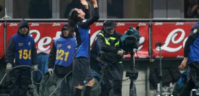 Schelotto esultanza Inter-Milan derby