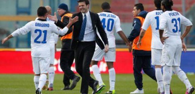 esultanza Stramaccioni Gargano Catania-Inter 2-3